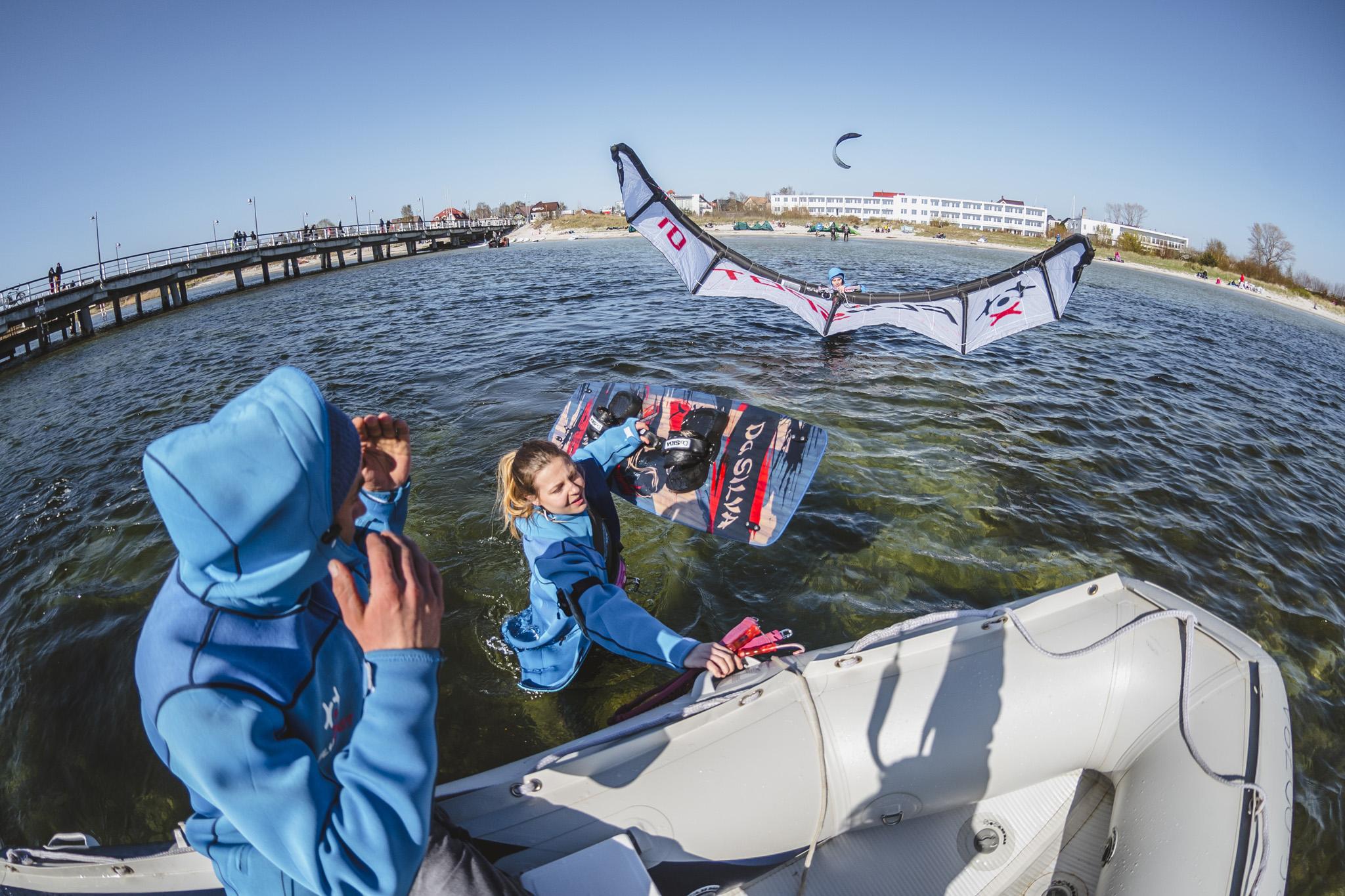 Nauka w naszej szkole kitesurfingu na Helu